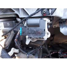 Сервомотор вентилация отопление за AUDI A8    0132801323  4E0820511    0 132 801 323  4E0 820 511