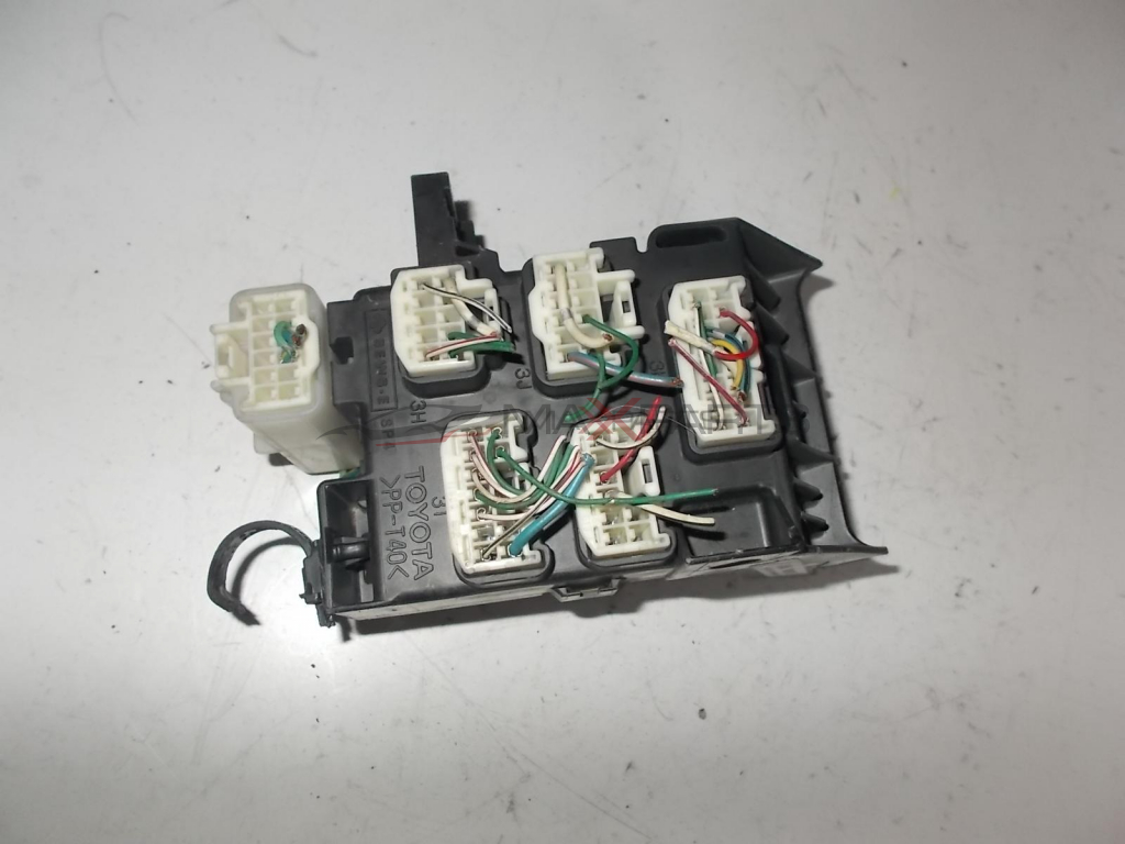 Toyota Avensis Fuse Box 82734 05020 In